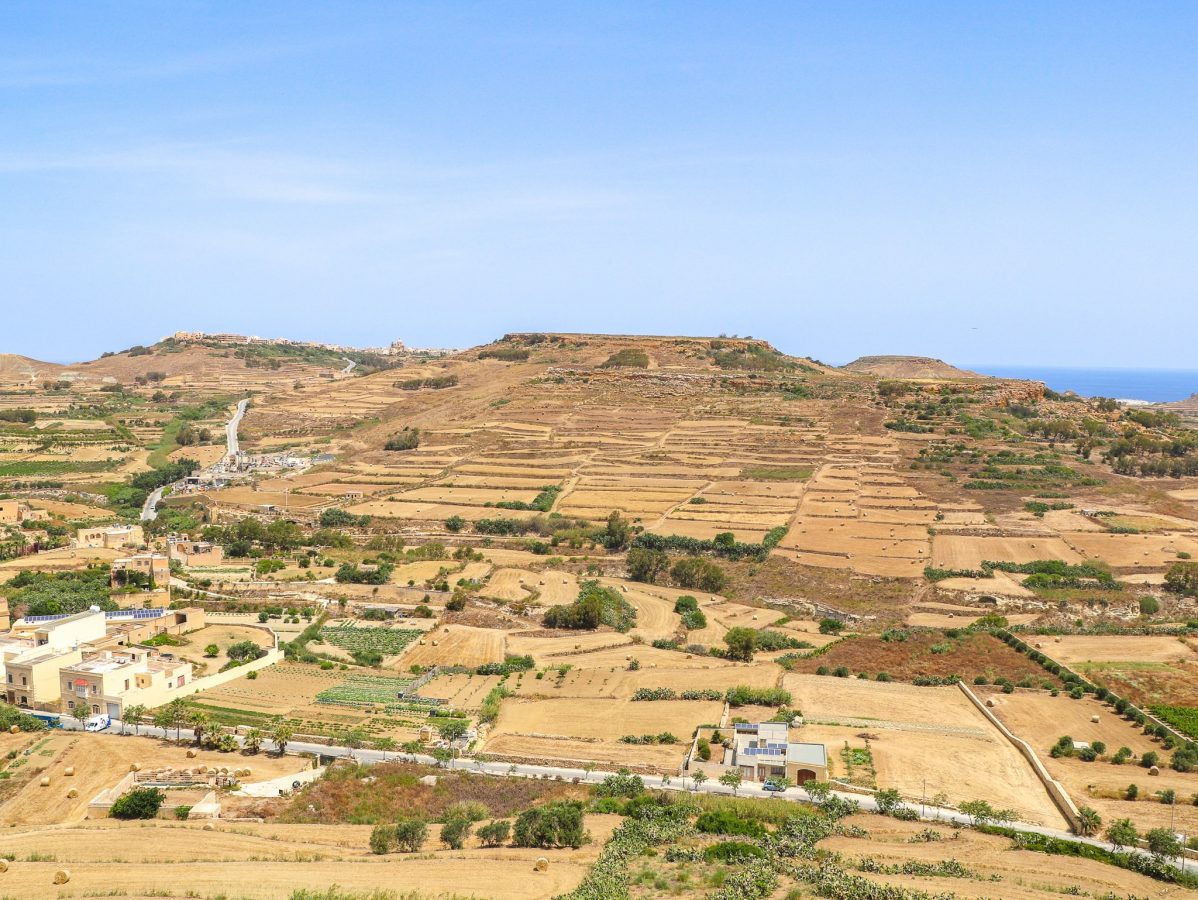 Vista panorâmica da ilha de Gozo